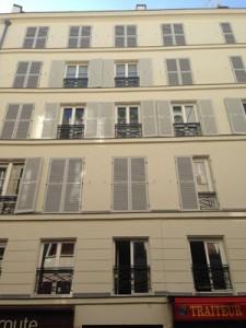 rue-du-colisee-300